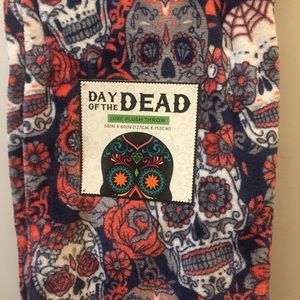 Other - Day of the Dead Throw NWT